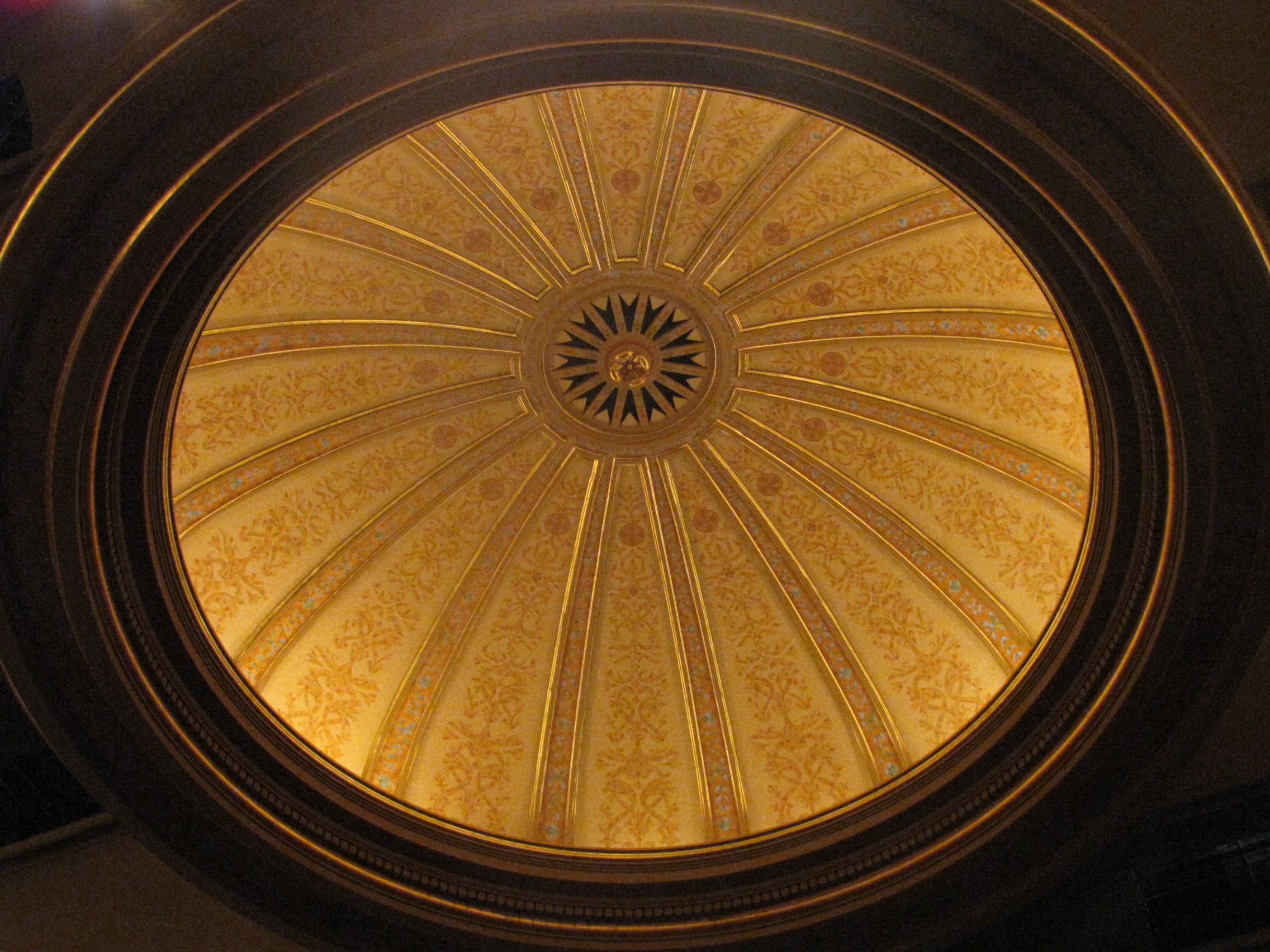 Hawaii Theatre Dome